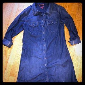 Women's M button down jean dress/ front pockets.